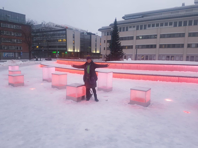 Schnee beleuchtet in Oulu